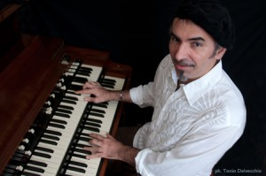 Vito on organ